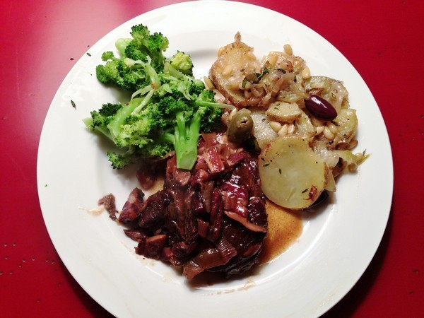 Accidental Locavore Short Ribs and Potatoes