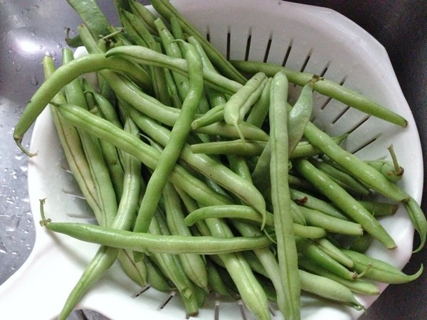 Accidental Locavore Green Beens for Canning