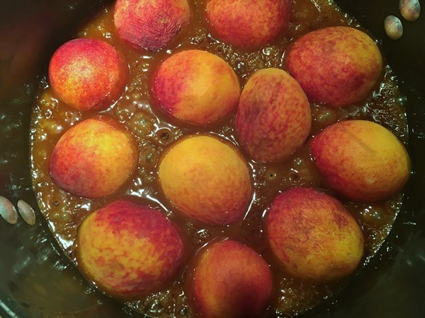 Accidental Locavore Peaches in Caramel