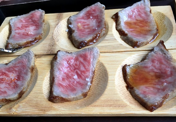 accidental-locavore-seared-hida-beef