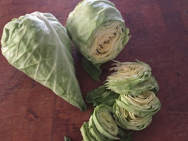 accidental-locavore-5-ingredieant-sliced-cabbage