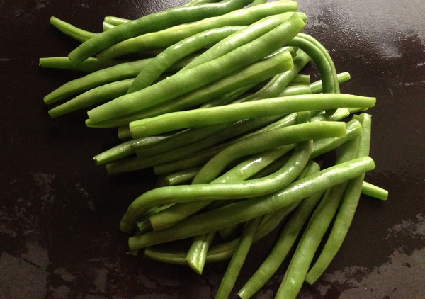 Accidental Locavore Green Beans for Salad Nicoise