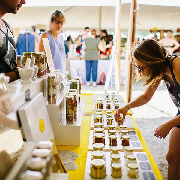 Accidental Locavore Rockerbox Selling Garlic