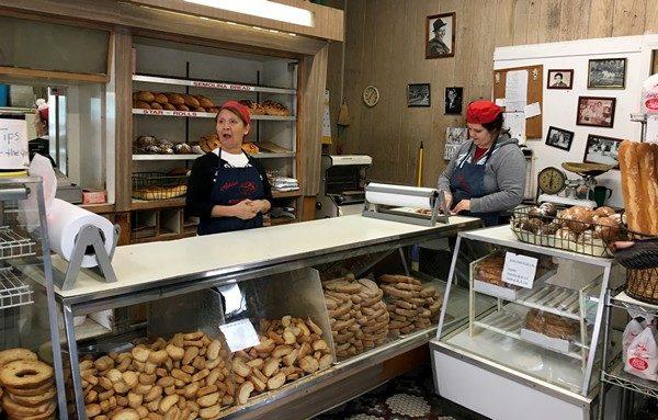 Accidental Locavore Arthur Avenue Bread Bakery