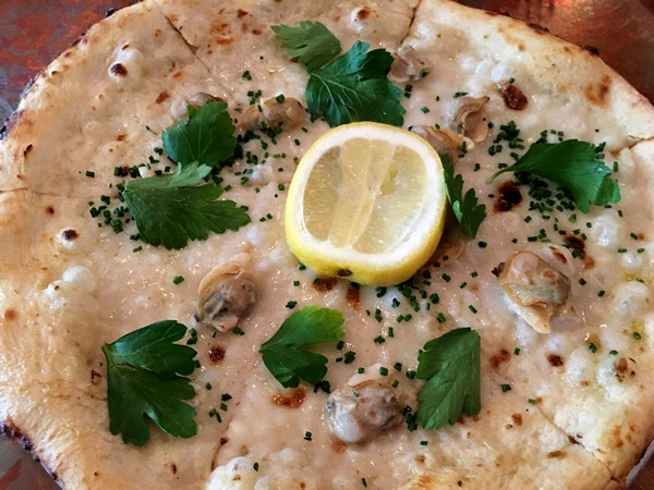 Accidental Locavore Lolita's Clam Pizza